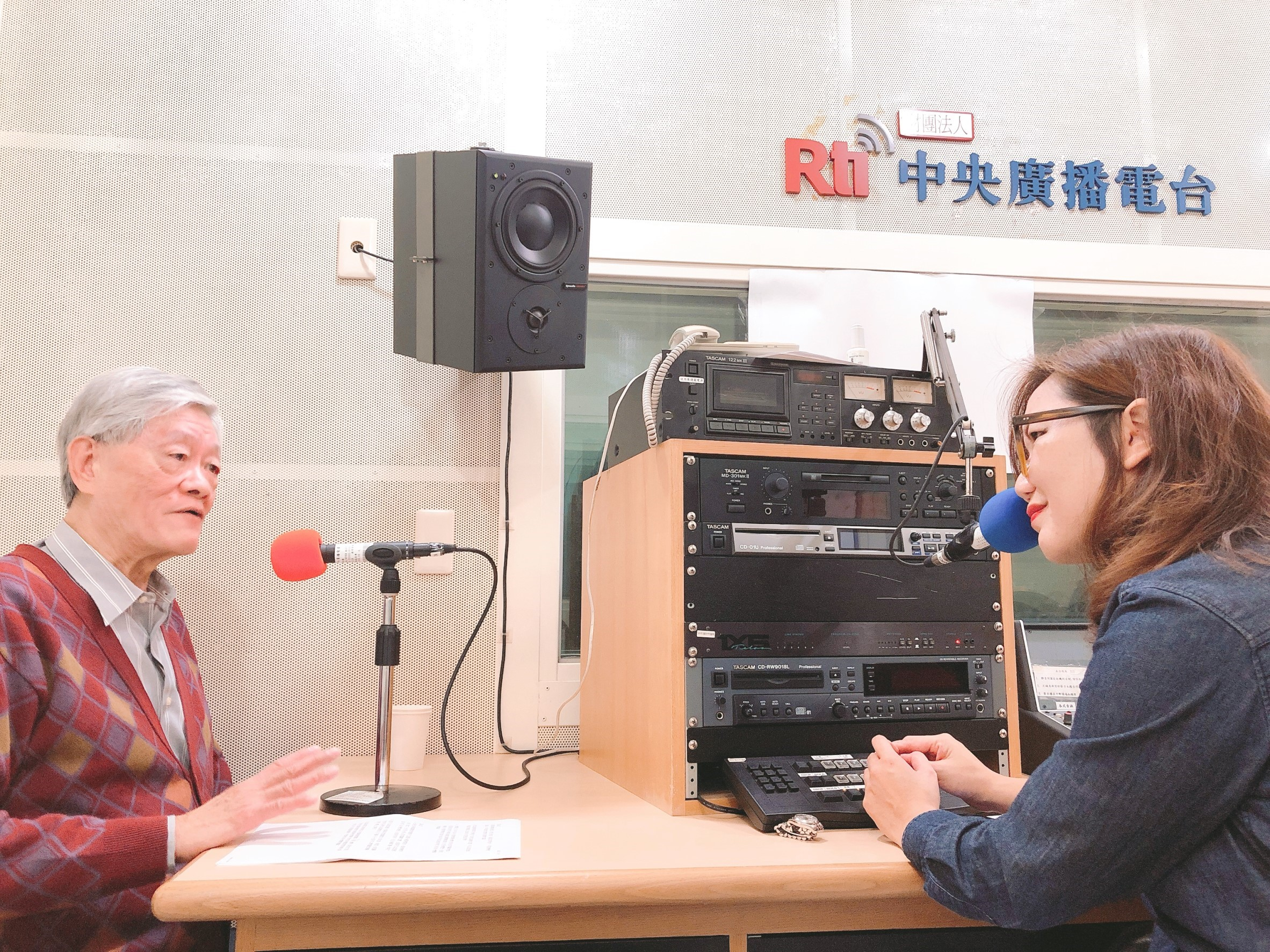 學習母語的途徑-訪詩人李魁賢