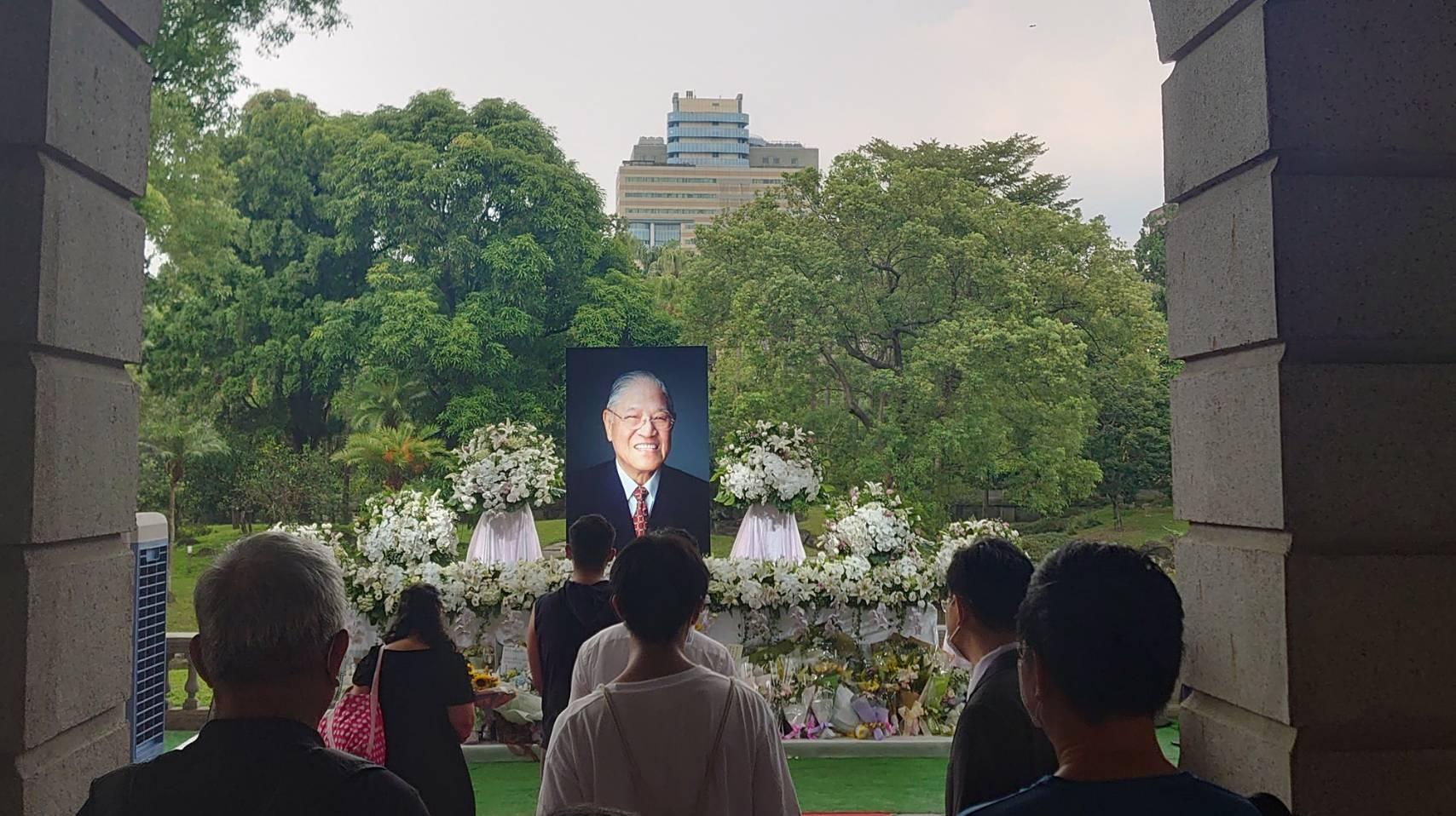 回顧李前總統登輝先生