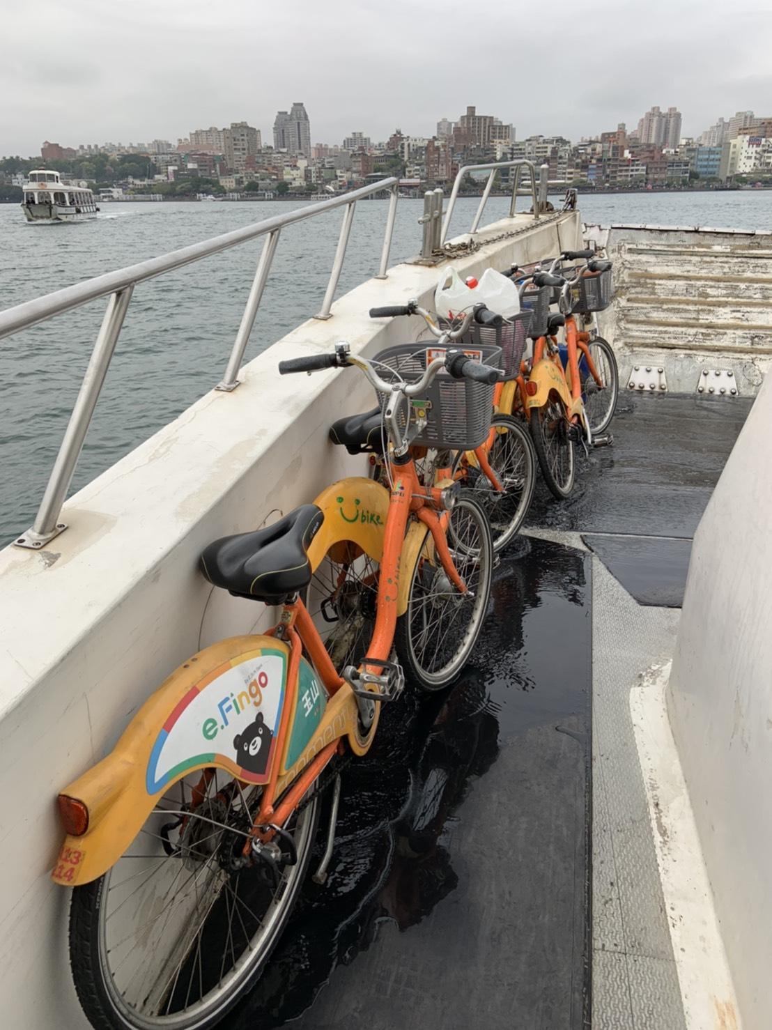 小資上班族蕭郁婷愛騎乘共享單車