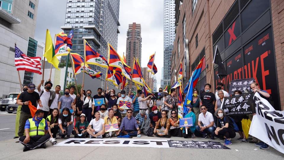 71香港國殤日海外港人抗中接力 美港人救生艇  蘋果日報是香港命運縮影