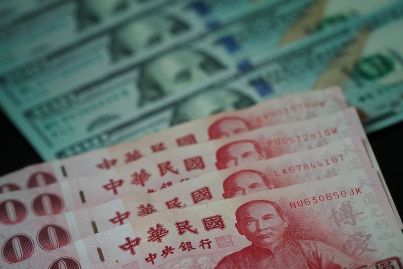 美元走貶  新台幣2024年前難回30元關卡