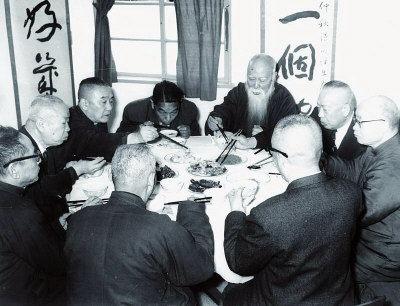 吃粥吃出名堂:粥會九十年  粥賢書畫展