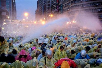 激進化的街頭運動 台灣民主劇變期