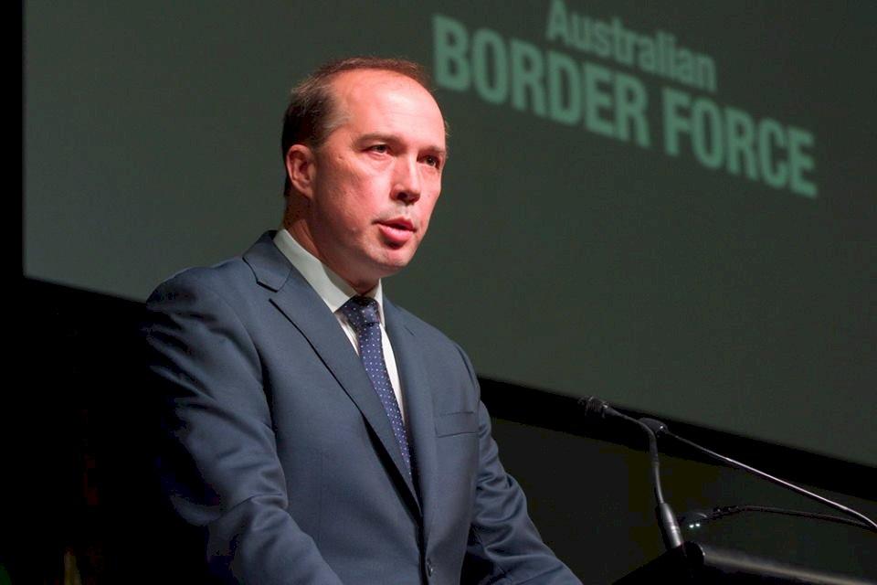 澳洲:10月以前遷移拘留巴紐難民