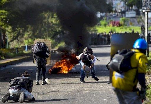 委內瑞拉強推投票 街頭動亂宛若開戰