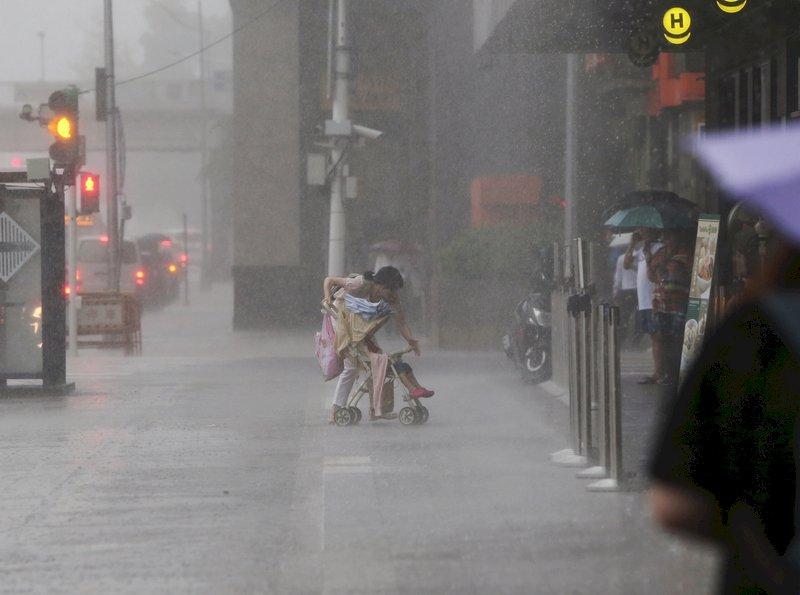 豪大雨下不停 宜蘭基隆二級淹水警戒