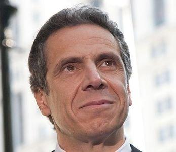 逼退壓力升高 紐約州長古莫仍堅拒辭職