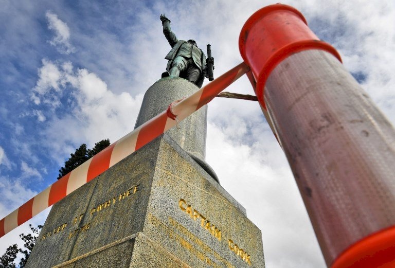 非裔之死掀殖民省思 雪梨庫克船長雕像遭人塗鴉