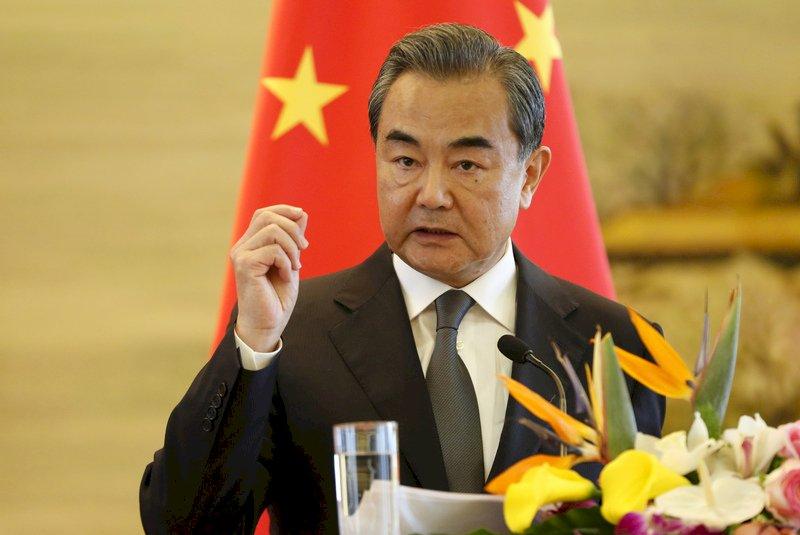 中國外長:美國若強行脫鉤將如迴力鏢傷及自身