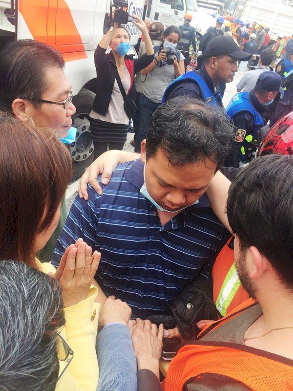 墨西哥地震1台人獲救 駐處同仁陪同送醫