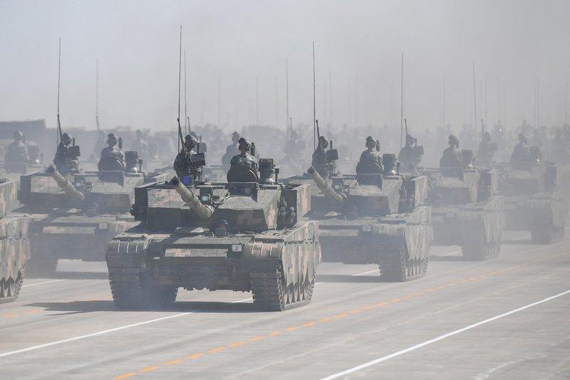 中國增強軍事壓力 近9成日人及逾7成韓人感威脅