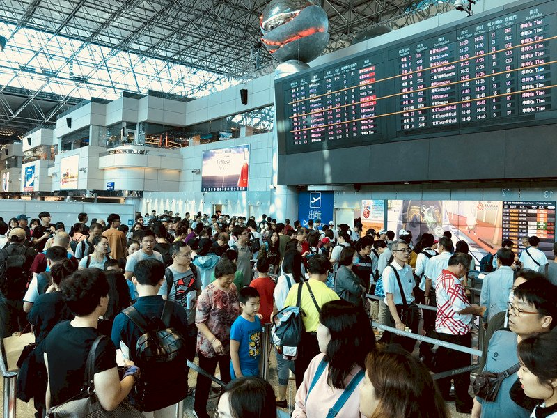 台灣民眾占海外旅遊人數比 首度擠進全球前10名