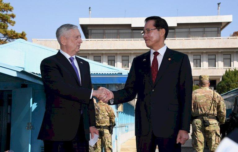 訪兩韓停戰區 美防長:戰爭非我們目標