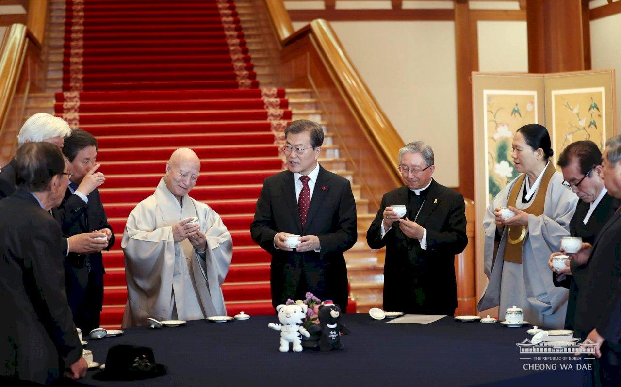 會宗教領袖 文在寅欲解北韓核與兩韓問題