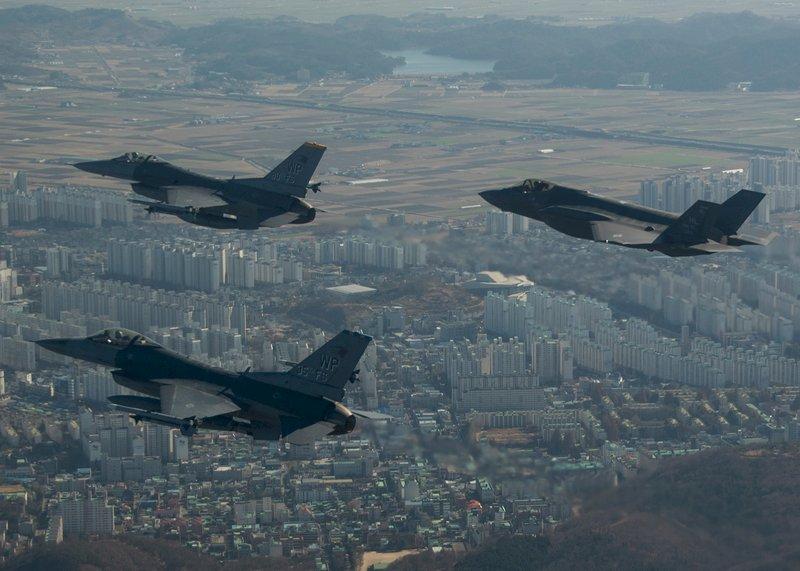 F-16與F-35 首次朝鮮半島共同亮相