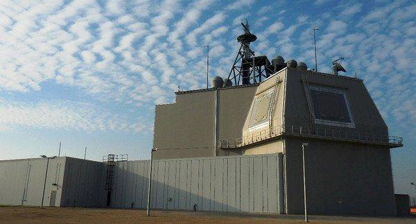 日本棄陸基神盾 部署海上可能成替代方案