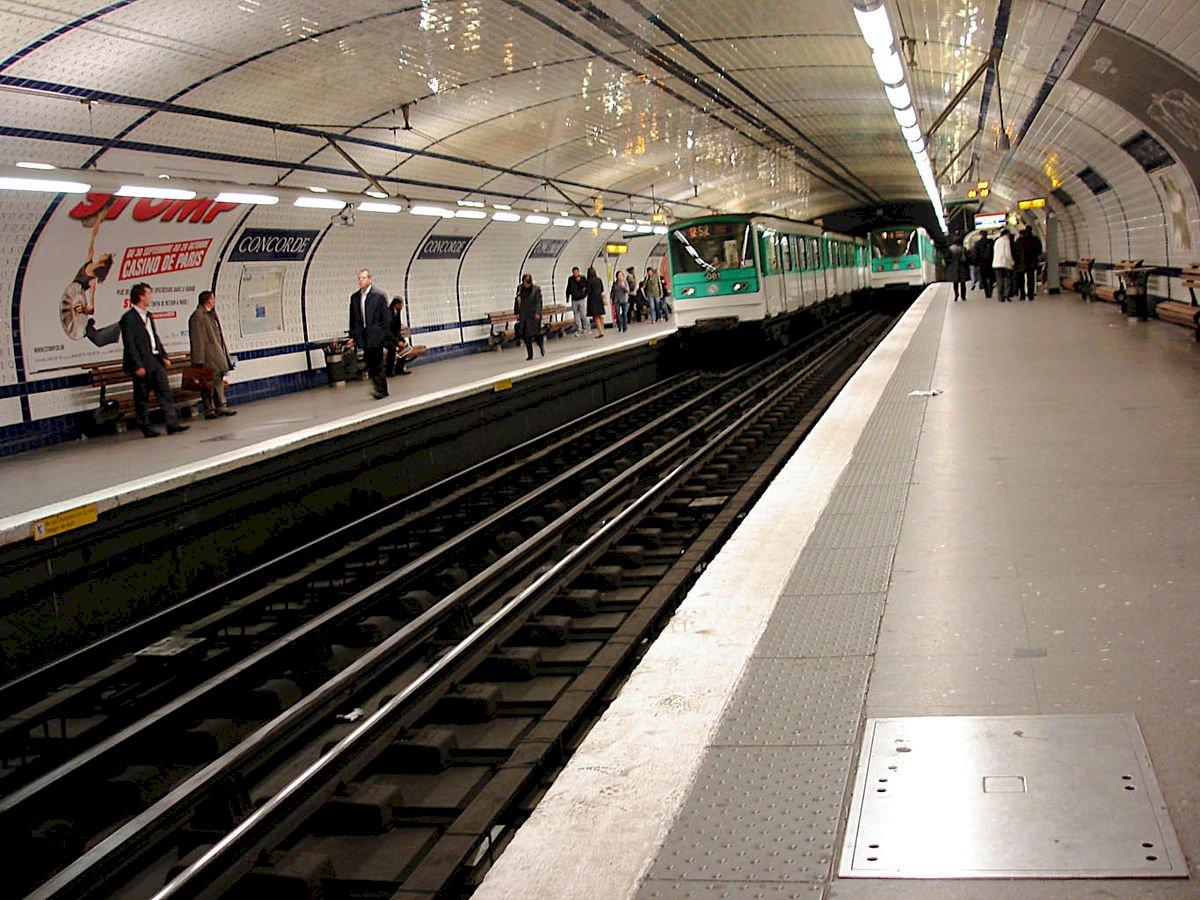 巴黎地鐵12號線數站染毒 旅客當心