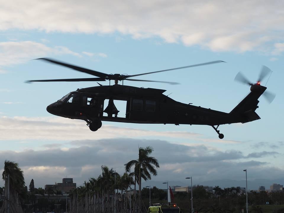 黑鷹直升機迫降 目前搜救中