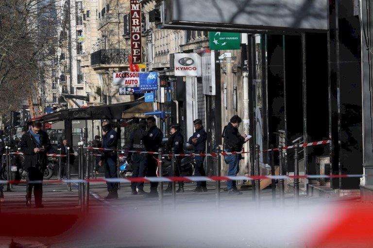 巴黎傳銀行搶案 搶匪遭警開槍送醫
