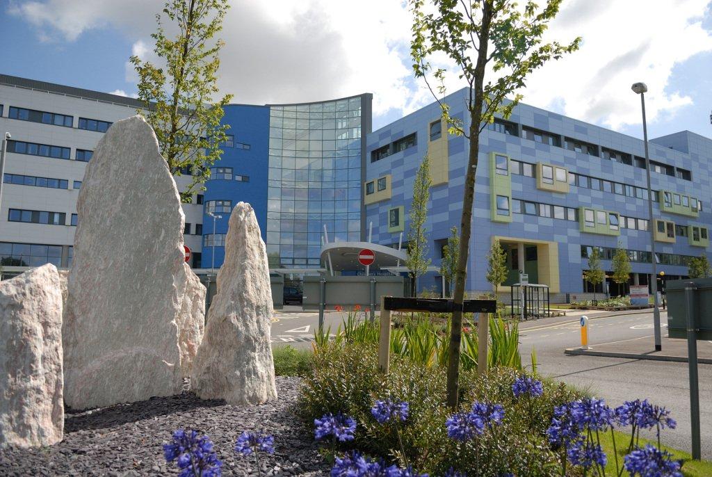 英醫院禁非醫學理由剖腹產 引發爭議