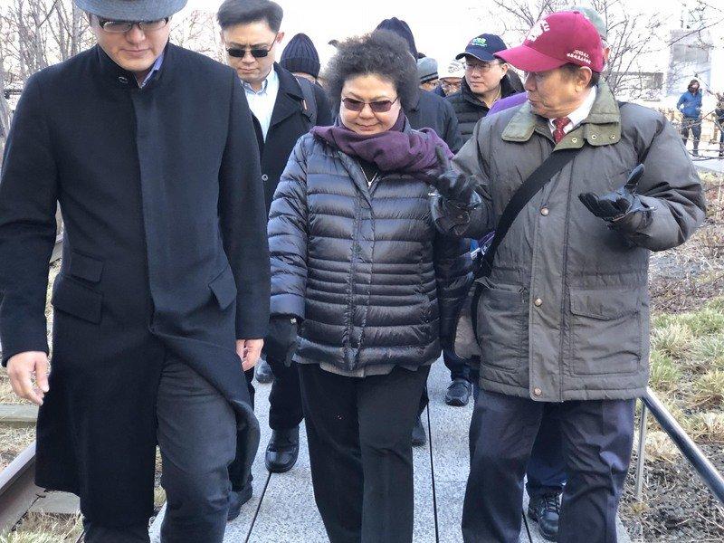 傳接總統府秘書長 陳菊訪紐約仍未證實
