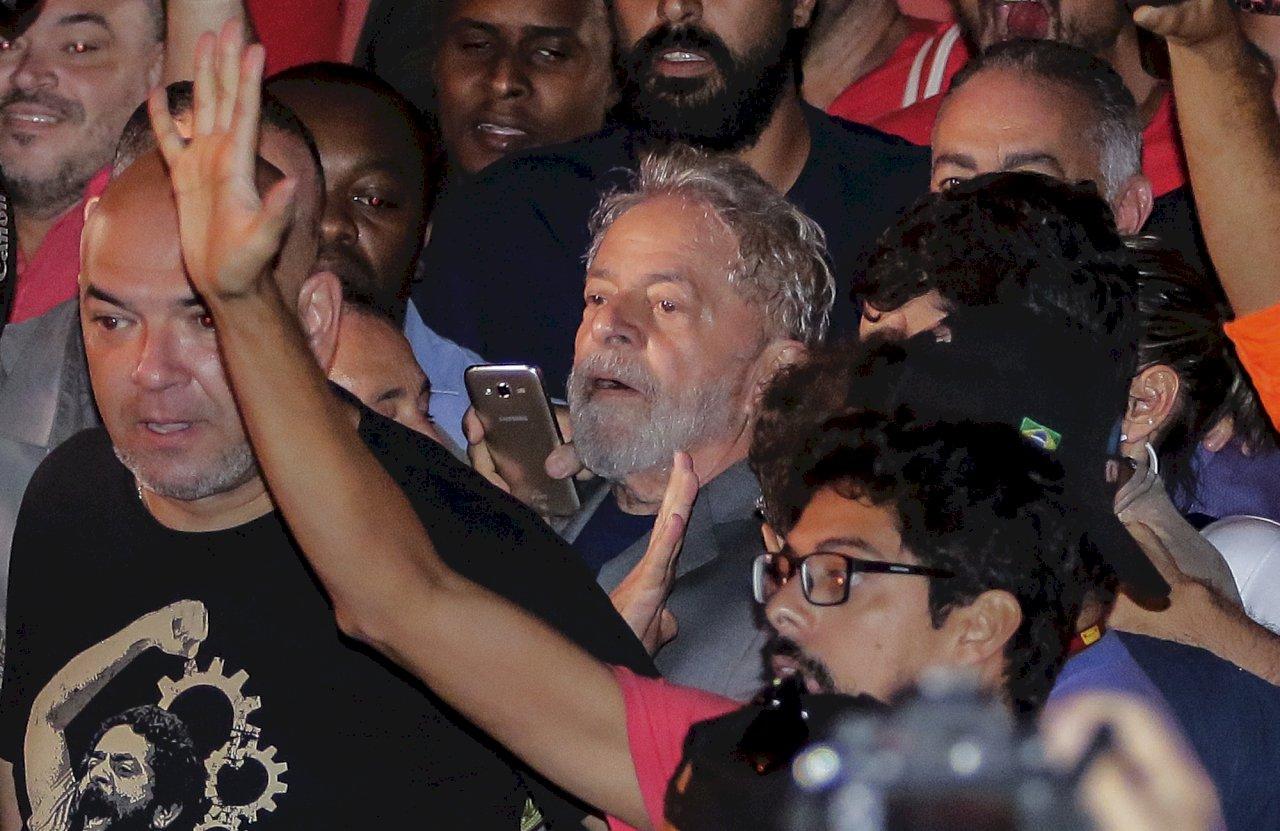 巴西最高院推翻二審入獄釋憲 前總統魯拉獲釋