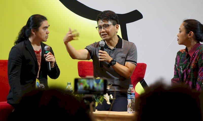 侯文詠出席曼谷國際書展 和書迷對談