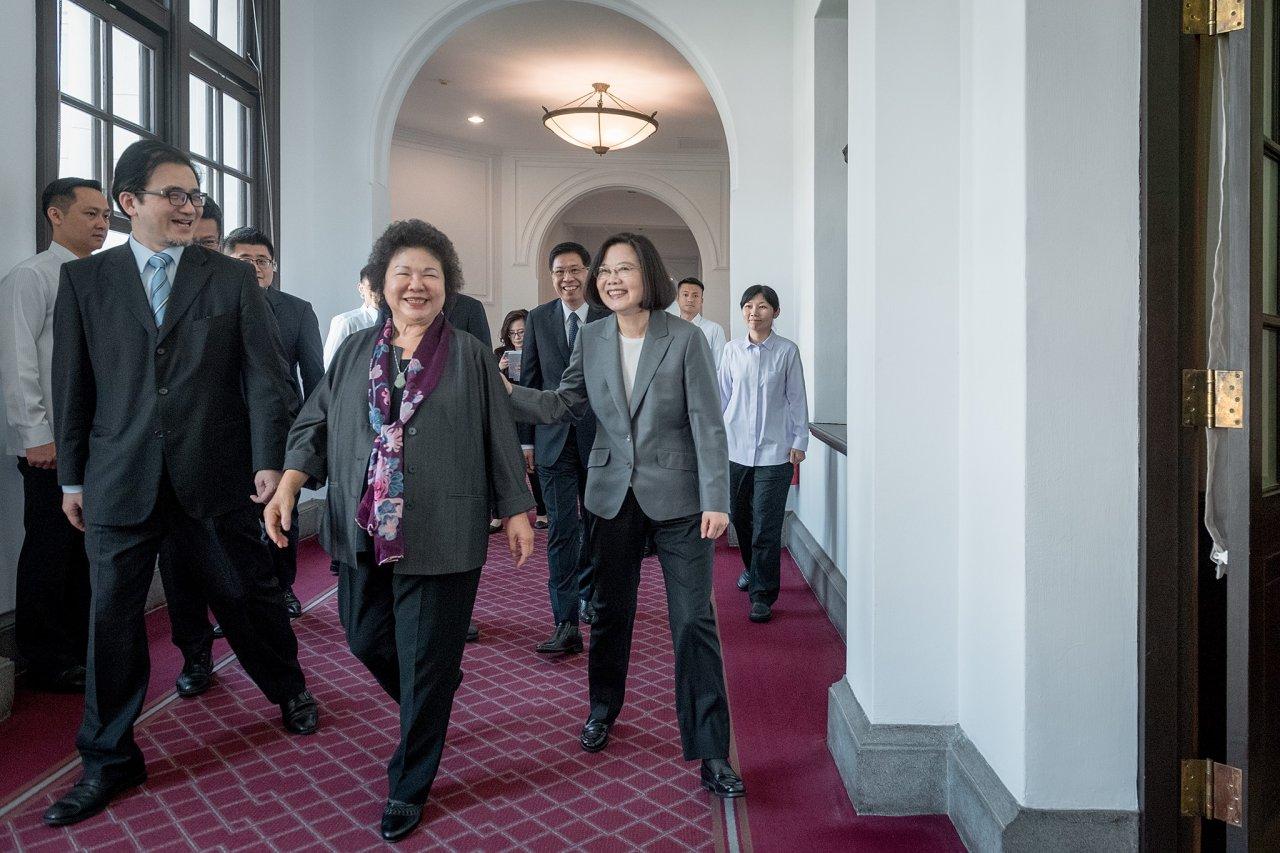 陳菊接任府秘 總統:一起打拚