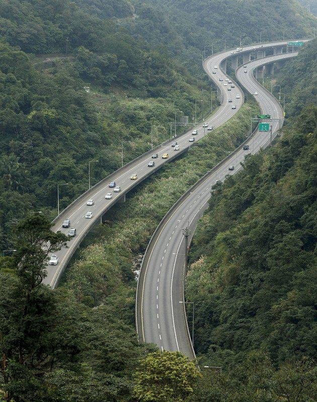 國道費率刪2倍上限 易塞路段以價制量