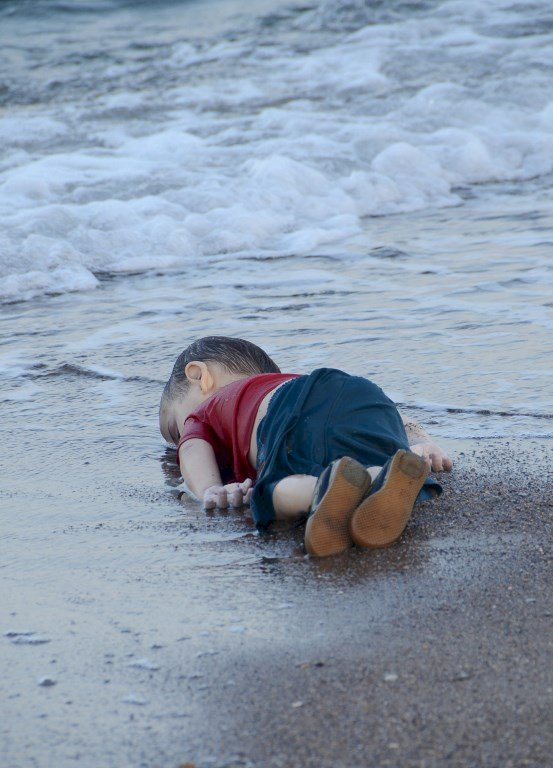敘童伏屍海灘悲歌 家人反對拍成電影