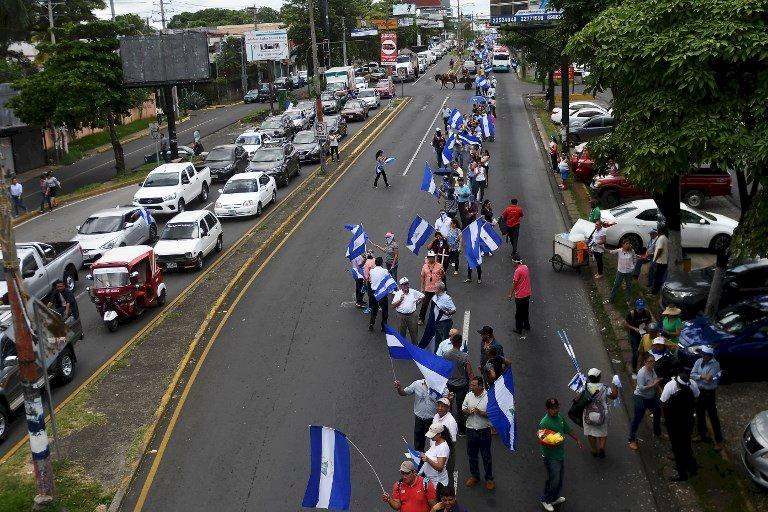 尼加拉瓜示威者組人鍊 要求奧蒂嘉下台