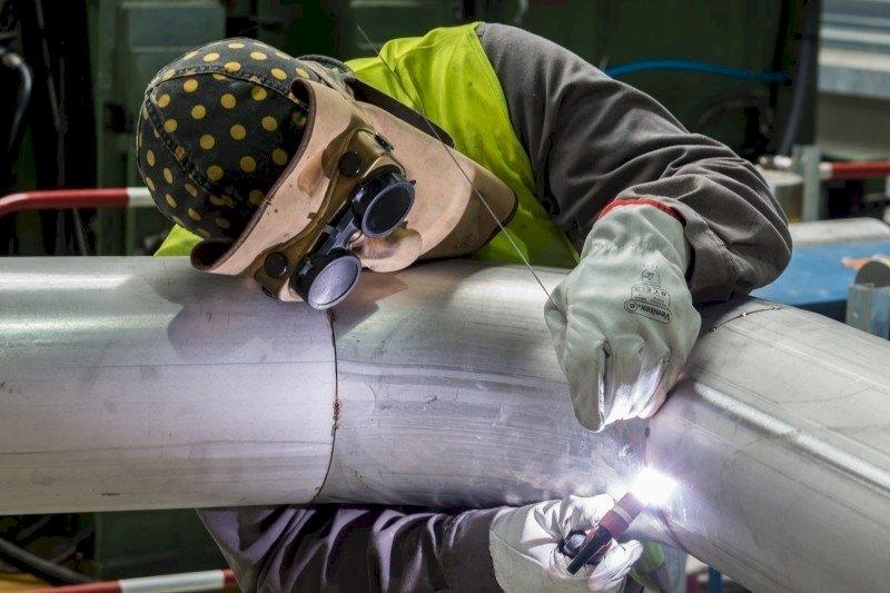 8月工業生產指數年增13.69% 基期挑戰浮現成長幅度將收斂