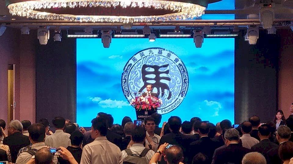 馬英九人氣飆漲 吳敦義:他民調高我們高興