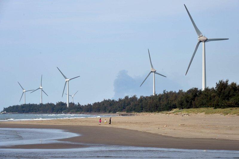 風力發電機廢棄葉片 如何回收成環境難題