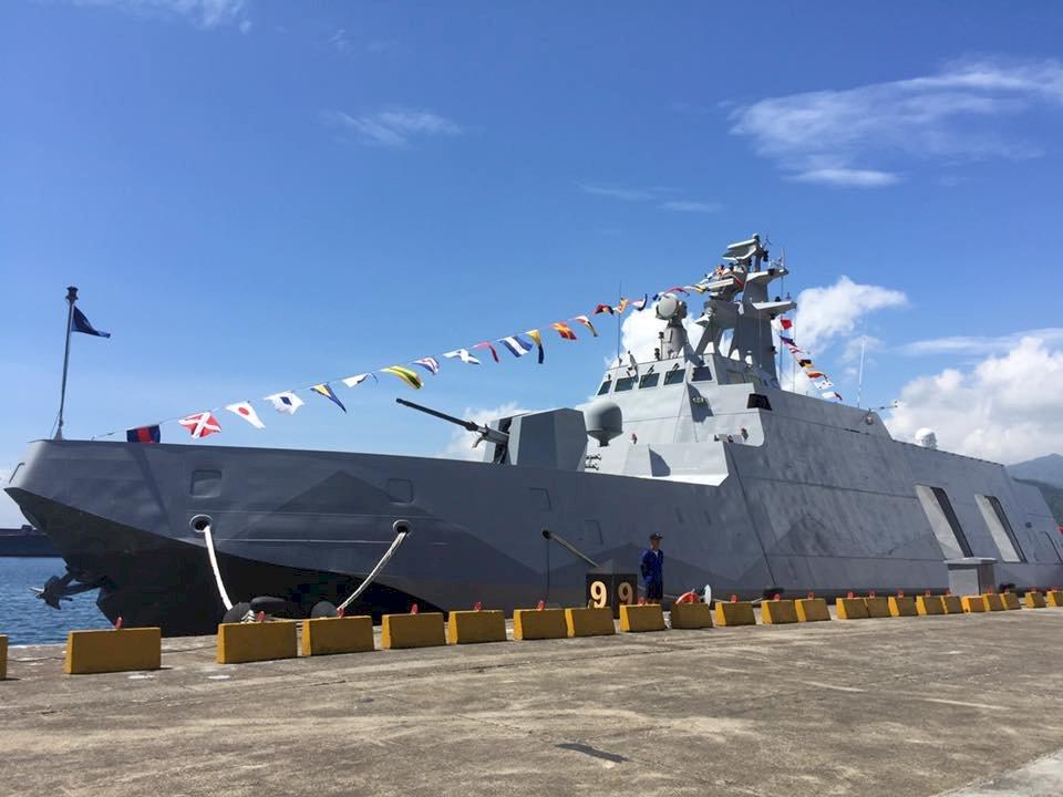 首艘航艦殺手沱江級艦下水典禮 15日舉行