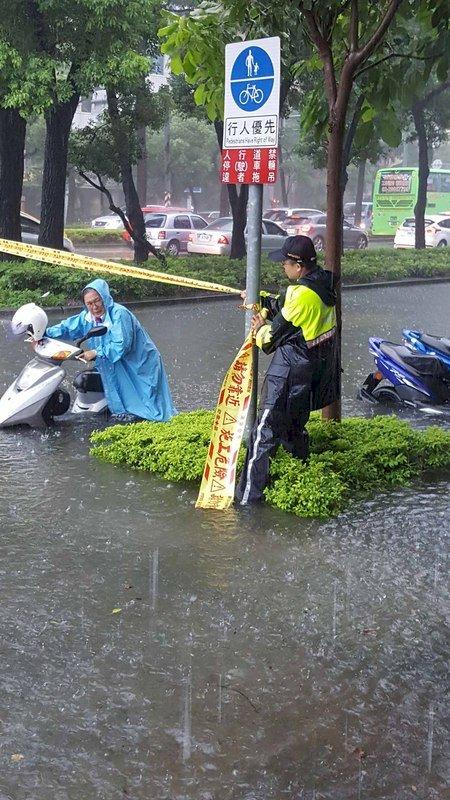 熱低壓挾水氣 未達颱風標準仍致災