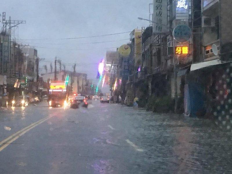 全台之冠 屏東市2天累積雨量逾400毫米