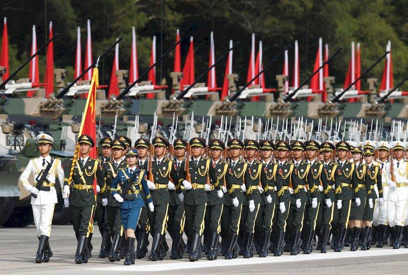路透:外國使節透露 中國駐港軍力倍增