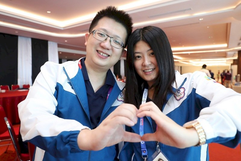 印尼亞運/橋牌情侶檔楊欣龍陸怡如 雙人賽奪冠