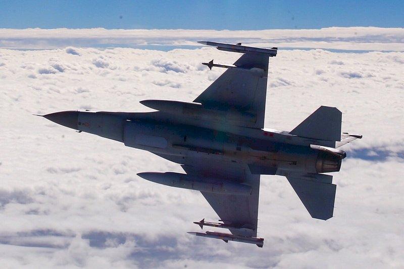 亞運代表團3日歸國 空軍戰機升空迎接