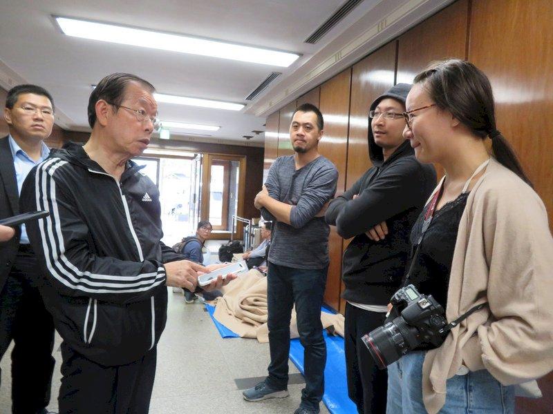 謝長廷協調華航1100個機位 助國人離開北海道