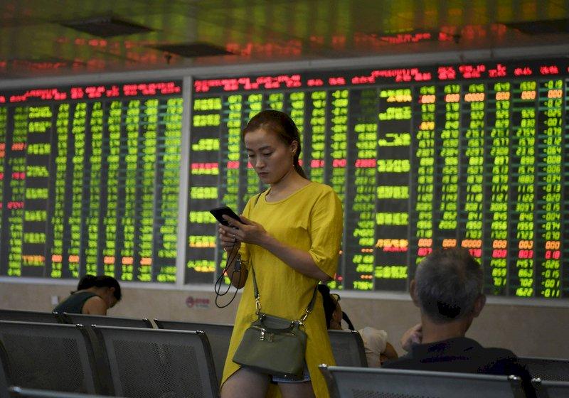 彭斯演講後 陸股看跌人民幣貶值壓力增