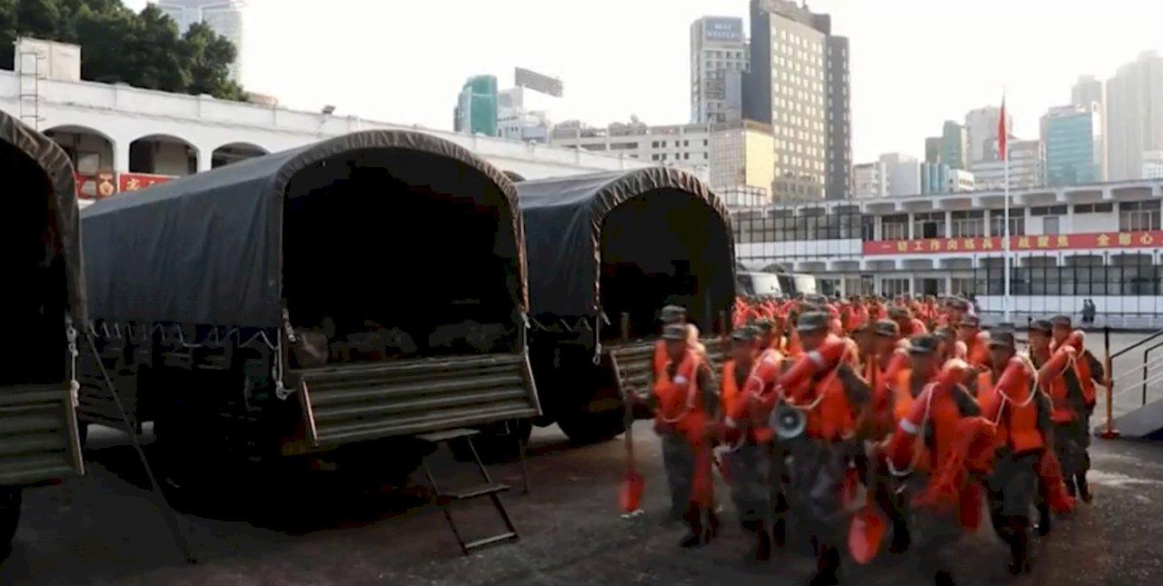 駐港解放軍協助風災善後 泛民質疑