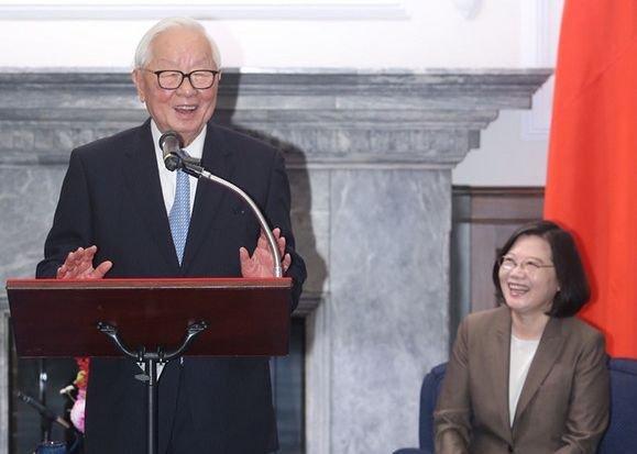接見APEC代表團 總統盼展現台灣數位經濟發展成果