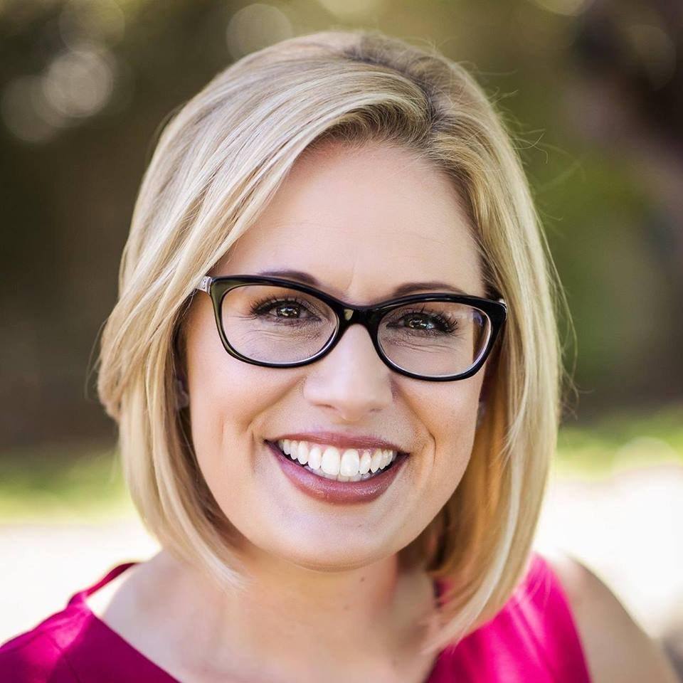 民主黨翻盤成功 亞利桑納州出現首位女參議員