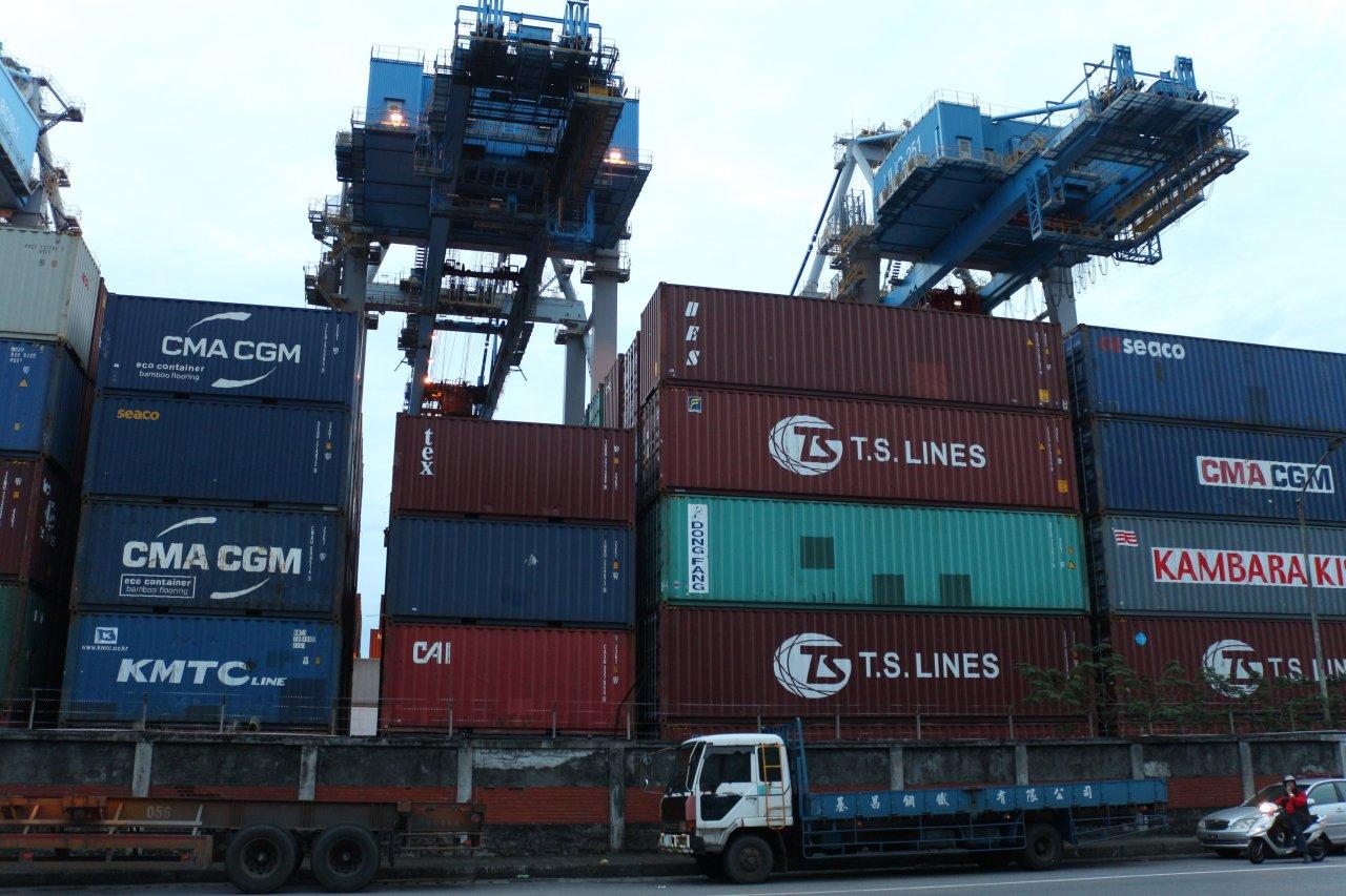 8月出口再刷歷年單月新高 進口首度破兆元大關