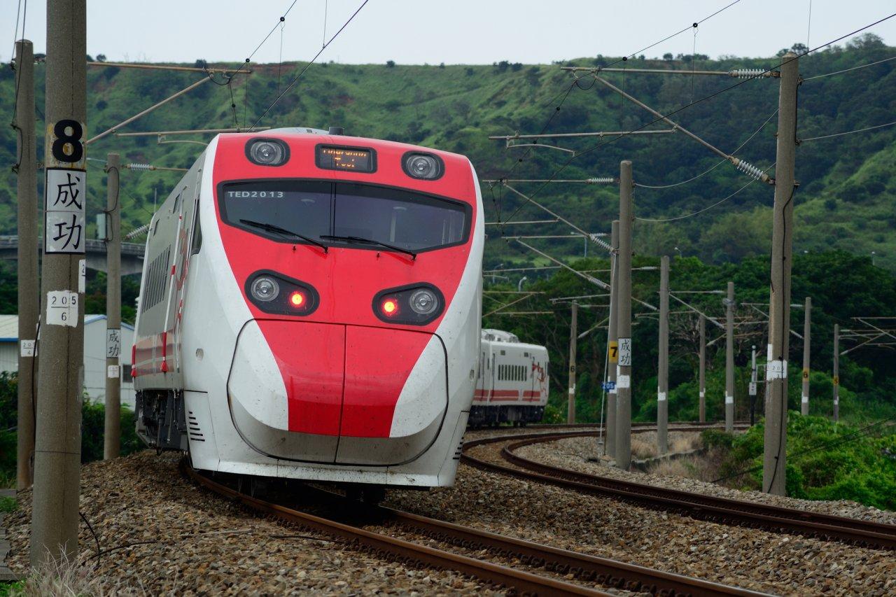 颱風米塔來襲  台鐵部分列車午後停駛