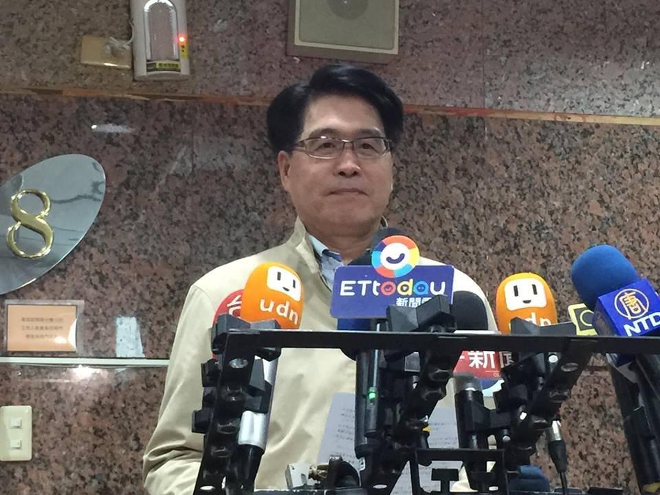 完成民進黨主席登記參選  游盈隆:要改變已質變的民進黨