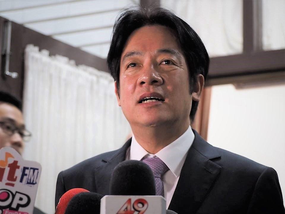 賴揆:明舉行臨時院會 宣布總辭
