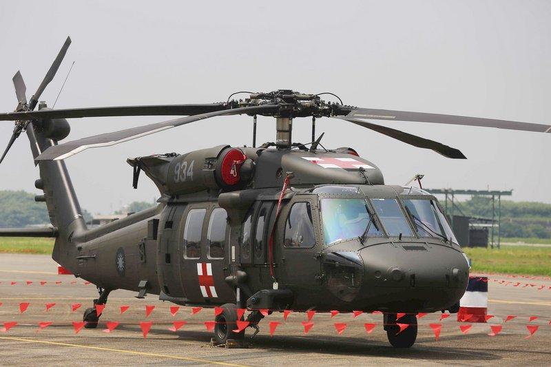 黑鷹直升機小檔案